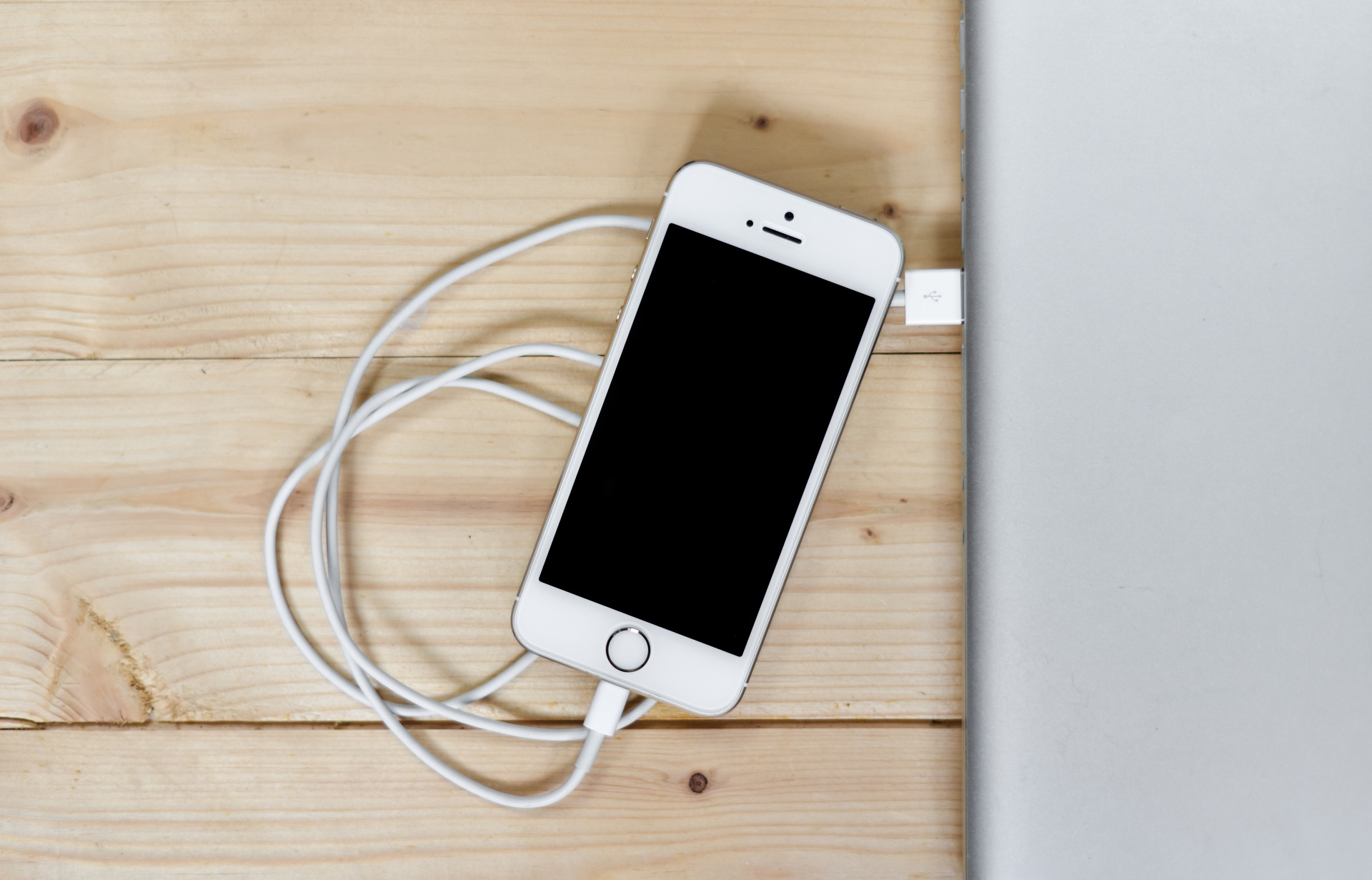 как продить заряд iPhone