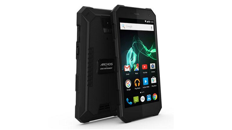 защищенный смартфон с мощной батареей