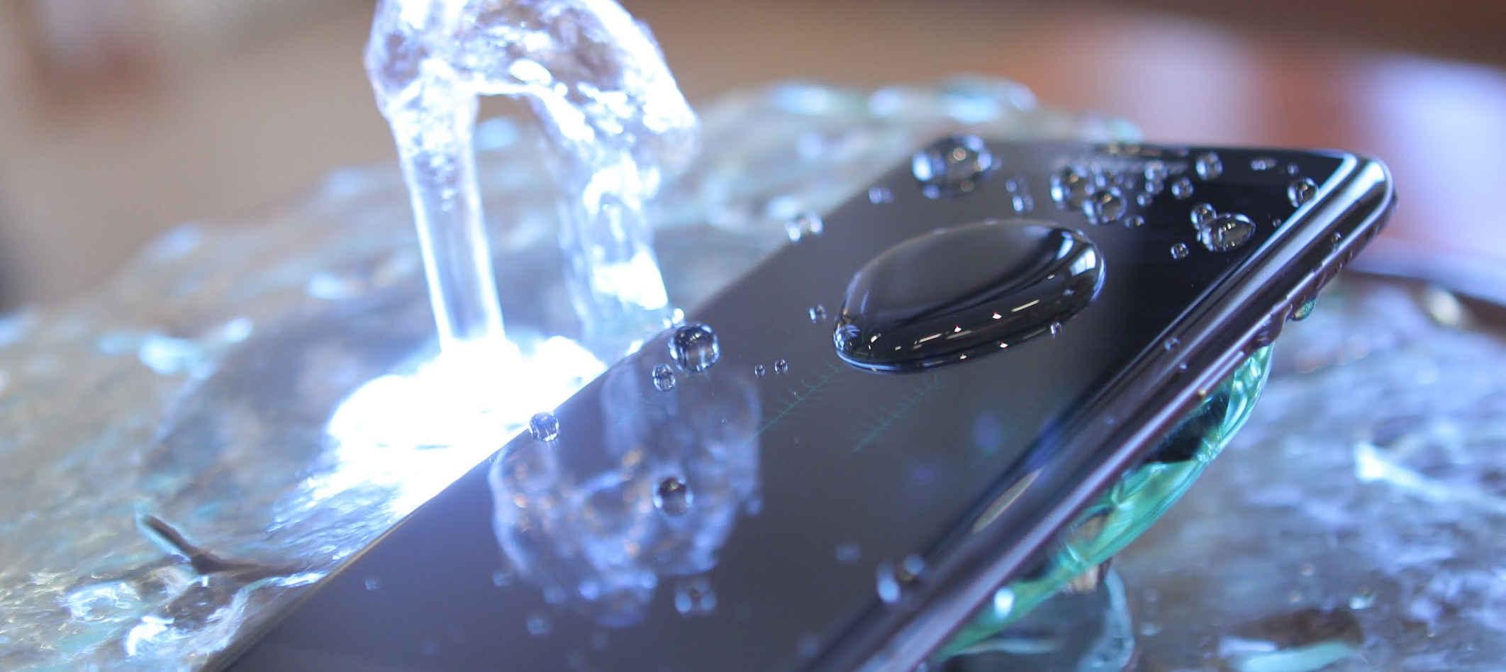 смартфоны с защитой IP68