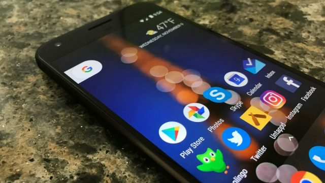 Телефон Google Pixel: бенчмарки, сравнение с флагманами 2017