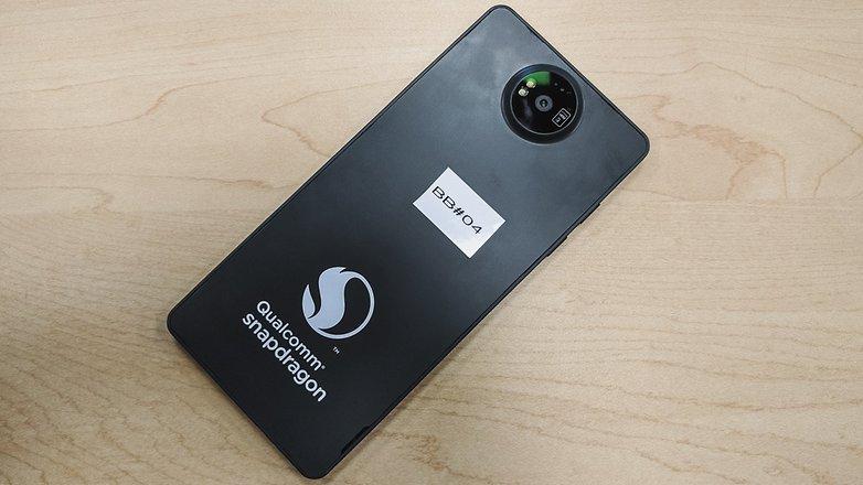 Snapdragon 835 и Snapdragon 821