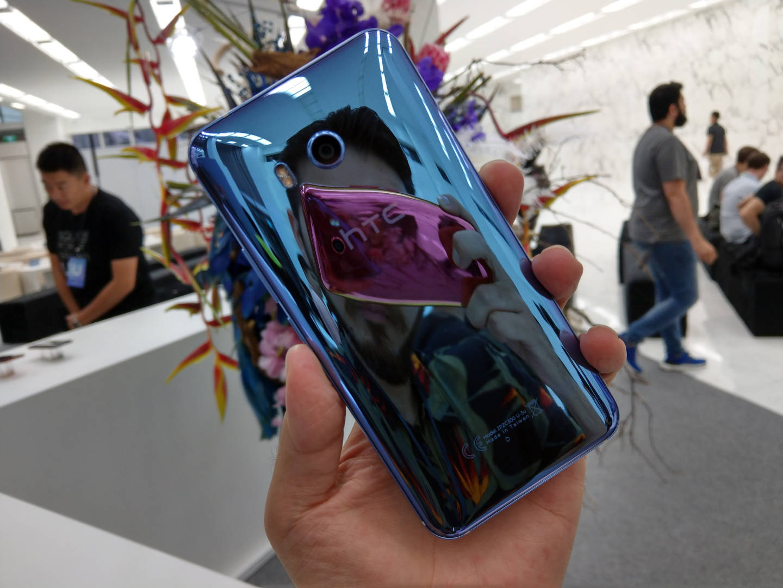 камера HTC U11