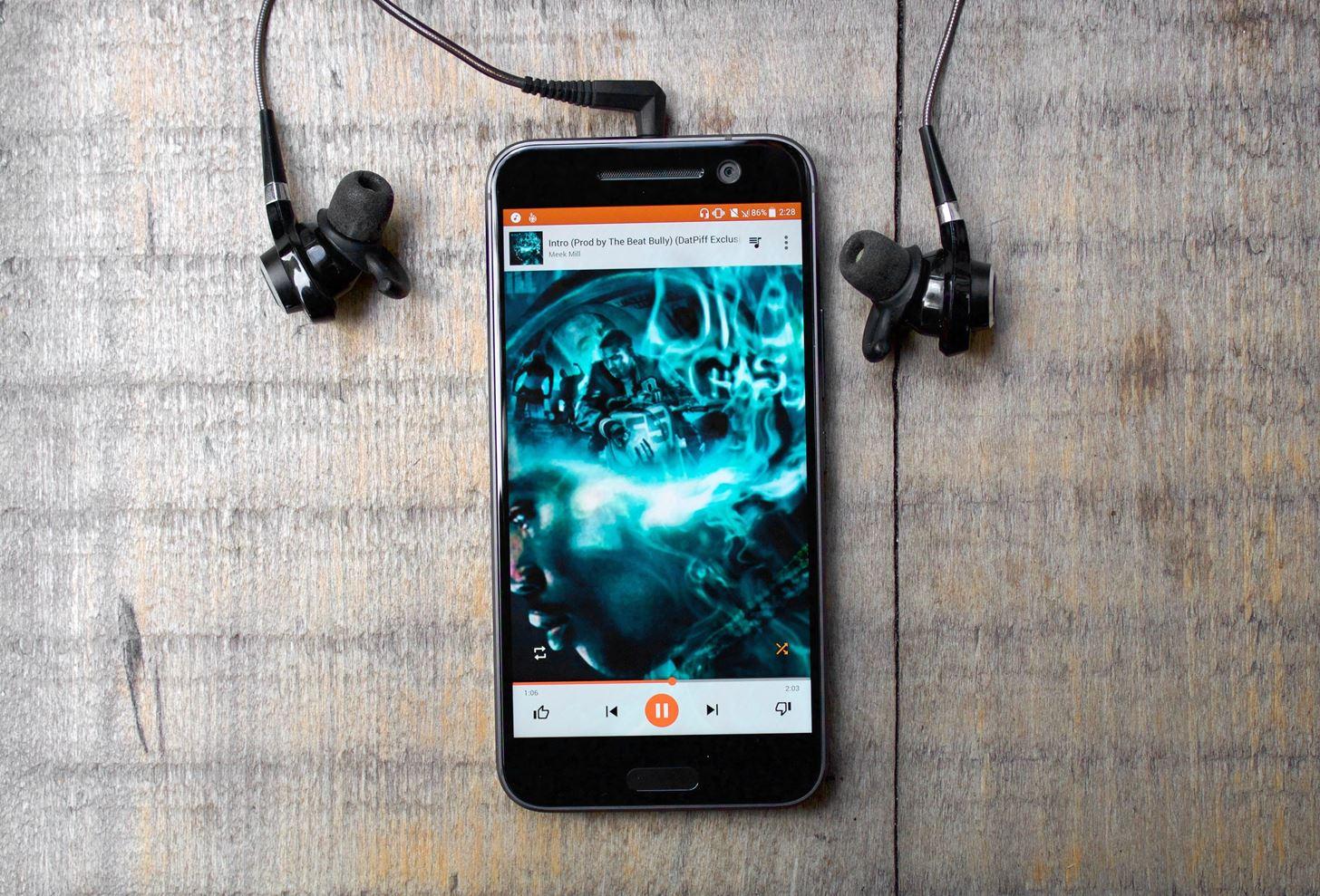 смартфон для меломана HTC 10