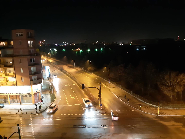 пример ночных фото с камеры Galaxy A8 (2018)