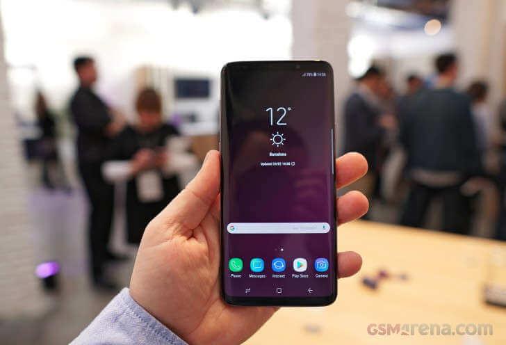 смартфон Galaxy S9+ фото