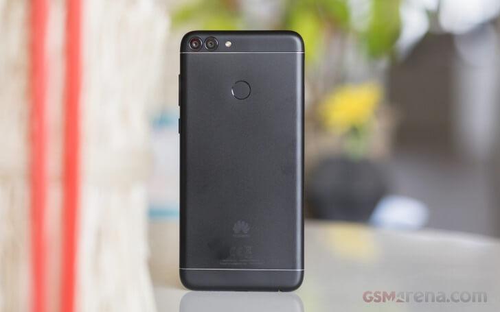 смартфон Huawei P Smart обзор