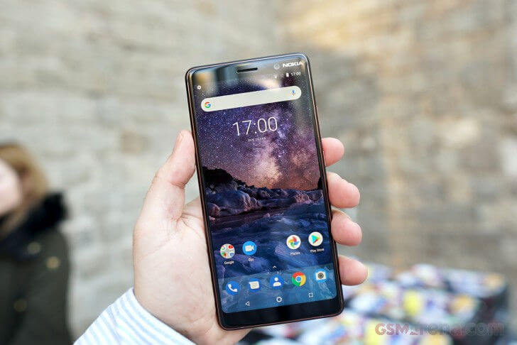 Nokia 7 Plus экран