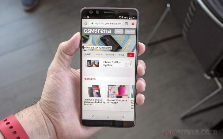 сравнение OnePlus 6 vs. HTC U12+