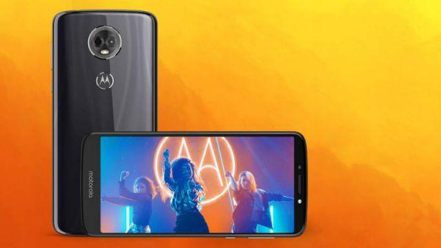Moto E5 Plus и смартфон Motorola Moto E5
