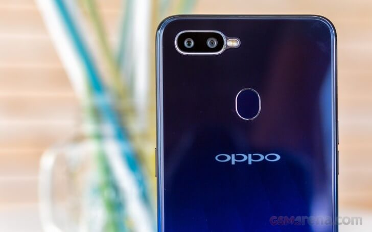 смартфон Oppo F9 камера