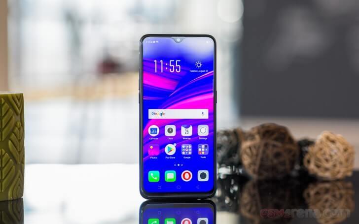 смартфон Oppo F9 экран