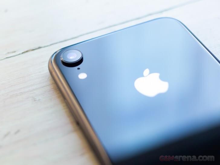 iPhone XR обзор, батарея и автономность