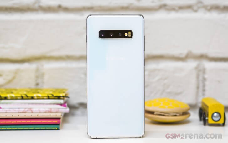 Samsung Galaxy S10 Plus обзор