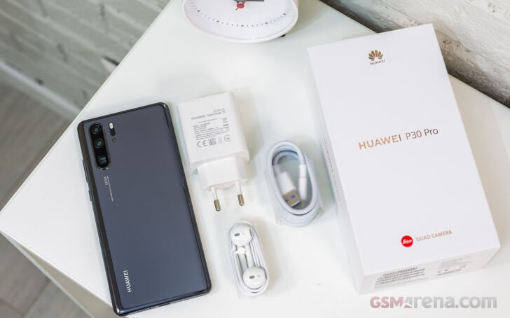 обзор Huawei P30 Pro комплектация