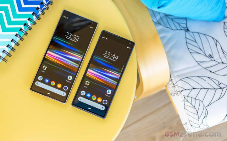 Xperia 10 Plus и Xperia 10 обзор сравнение