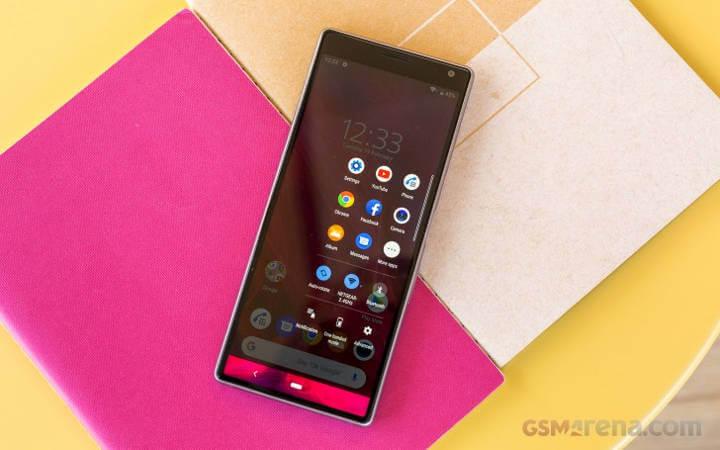Sony Xperia 10 обзор