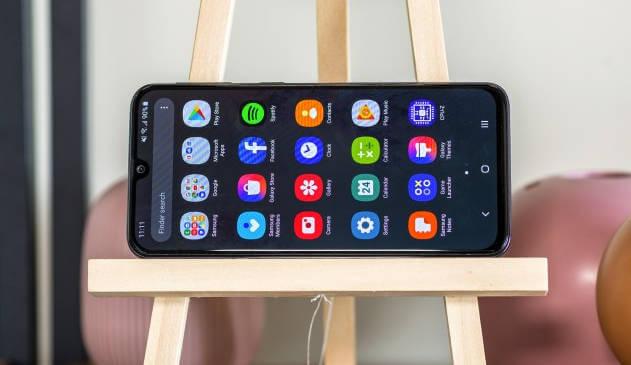 Обзор Galaxy A40: стоит ли покупать