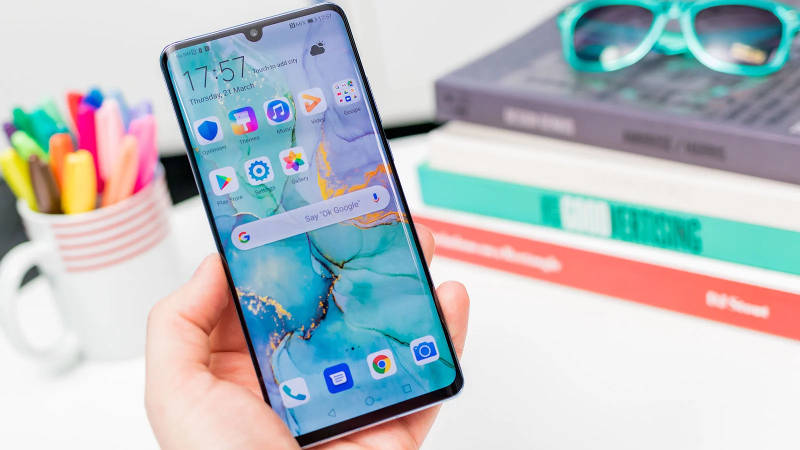 смартфон Huawei P30 Pro экран