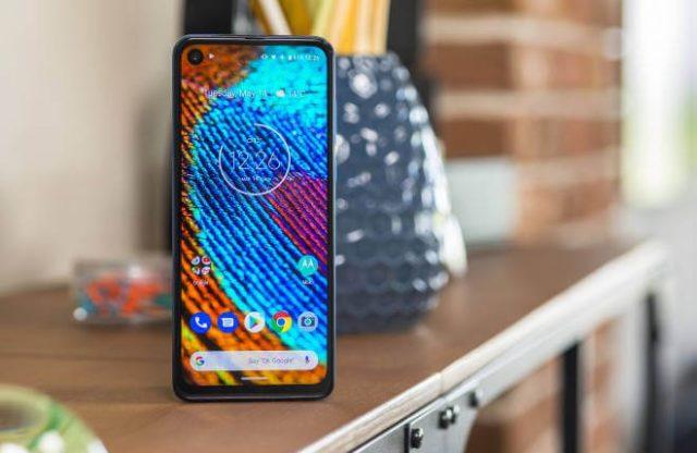 Motorola One Vision: характеристики и цена официально