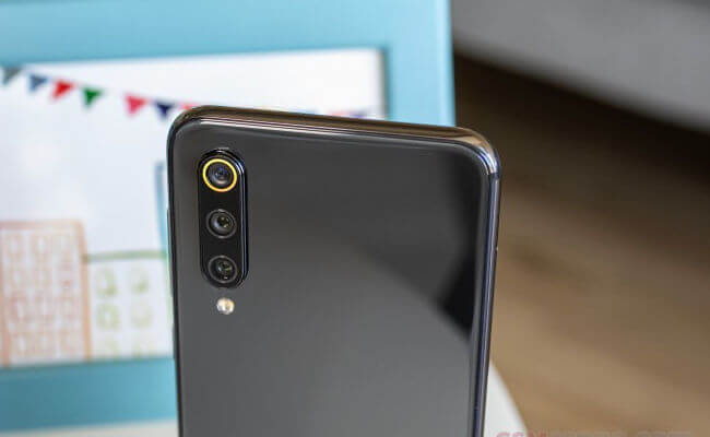 Xiaomi Mi 9 SE: обзор и сравнение с Mi 9T