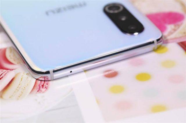 в Meizu 16s Pro Нет разъема 3.5 мм