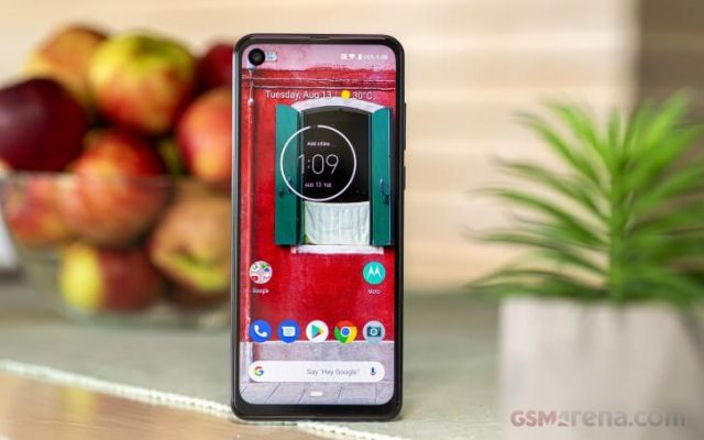 Motorola One Action обзор