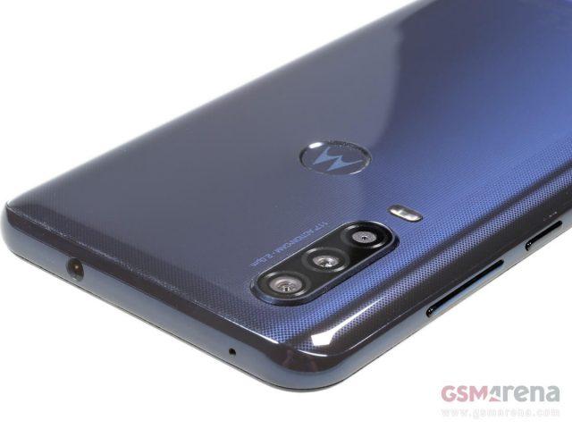Motorola One Action дизайн, разъем 3.5 мм