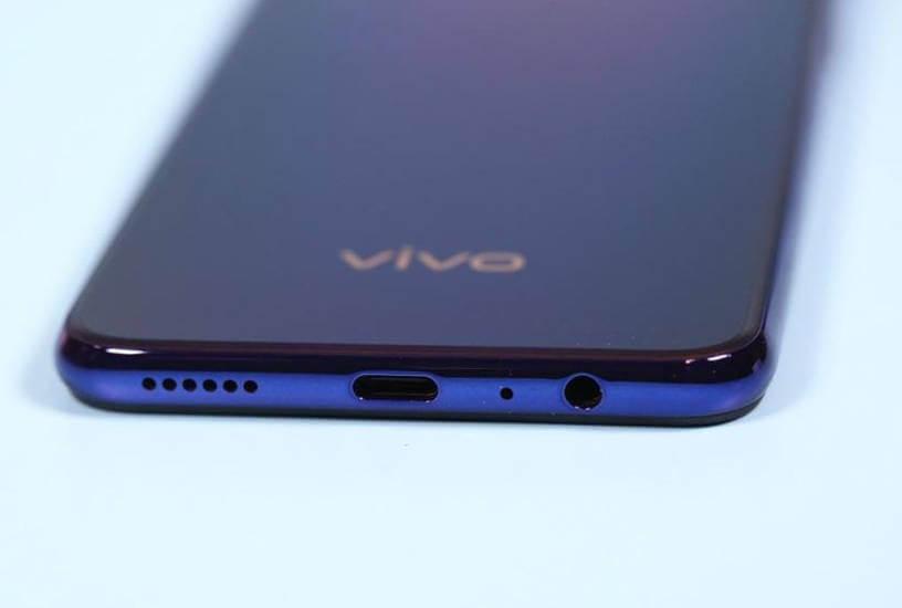 характеристики Vivo Z5 порт Type C