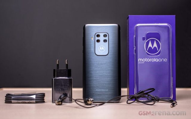 Motorola One Zoom обзор