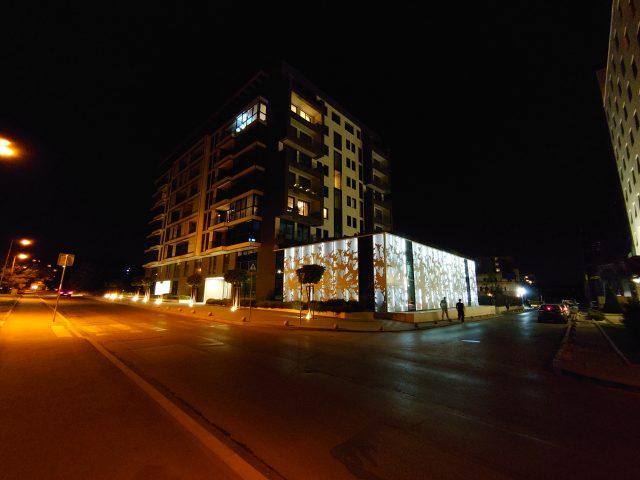 Обзор Xperia 5 ночные фото на широкоугольную камеру