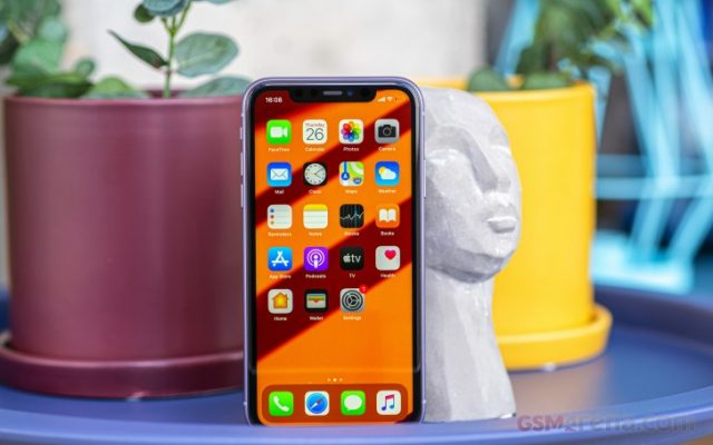 iPhone 11 обзор и сравнение с 11 Pro