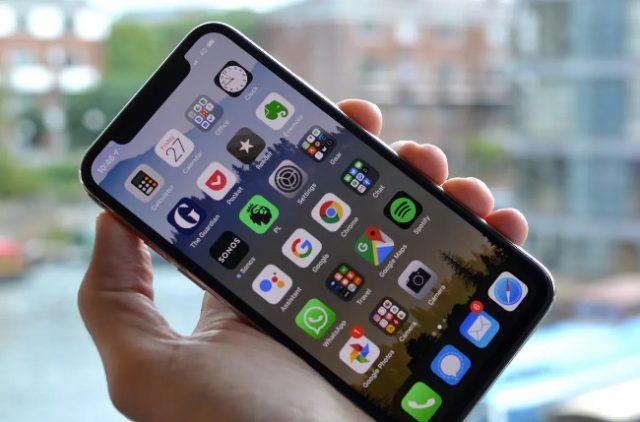 В каких случаях необходима замена аккумулятора iPhone 11